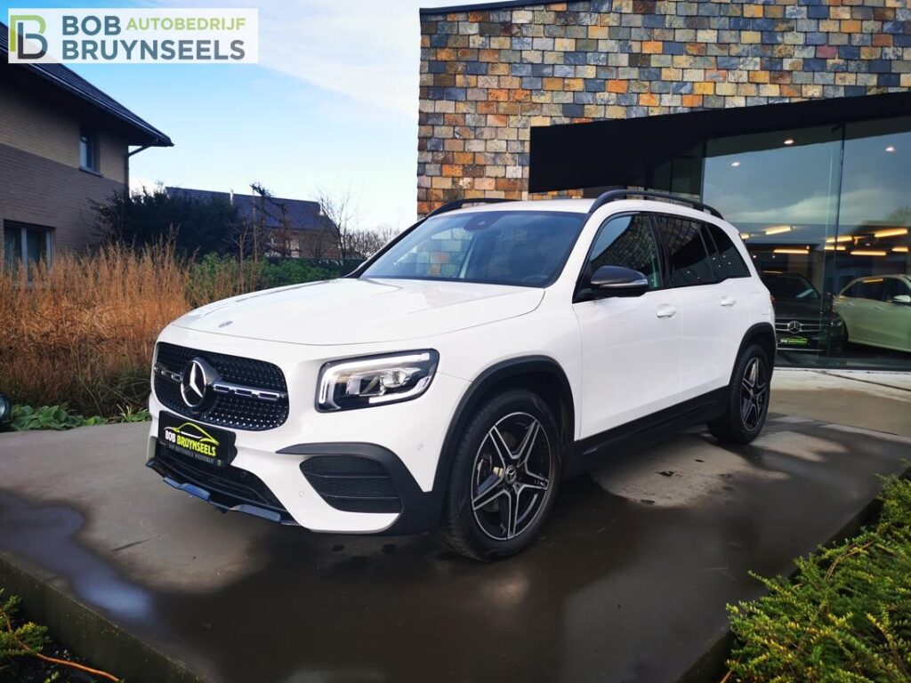 Mercedes GLB 200 Amg line – Nightpakket – Trekhaak – Camera – Sfeerverlichting